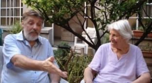 Marta y Guillermo (vecinet) conversando, enero 2014
