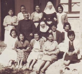 Hermanas Marta y Nelly con amigas bolivianas